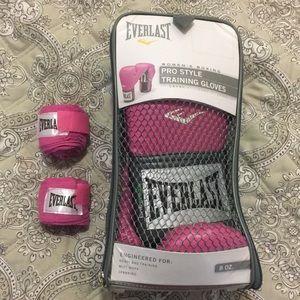 Pink Everlast Women's Boxing Gloves - 8oz - NWOT